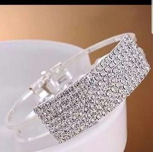 Jewelry - Luxury rhinestone bangle bracelet new silver